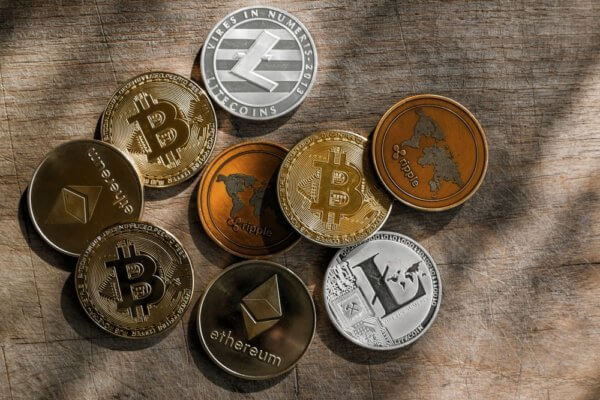 Will cryptocurrencies in India become banned if a state-issued cryptocurrency is launched?