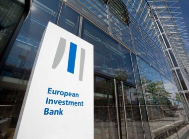 "EIB Vice President: Blockchain Will Bring ""Major Gains"" to The Financial Sector"