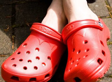 Crocs a Better Investment Than Bitcoin, Says New York Times Reporter
