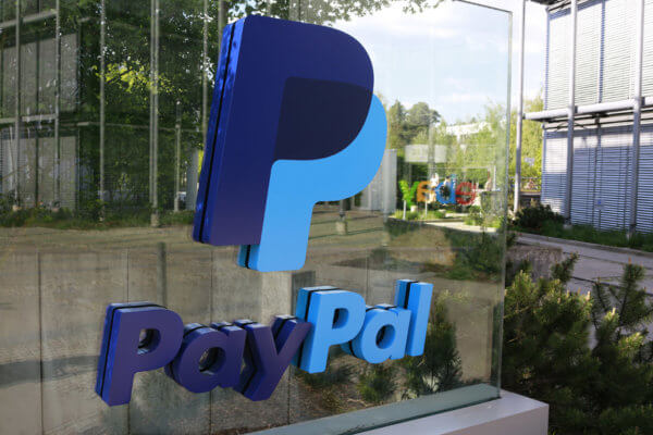 The ex-CEO of Paypal throws FUD at Bitcoin.