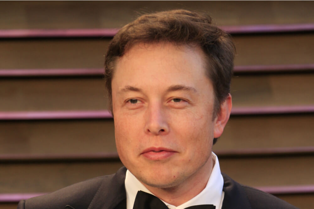 Elon Musk Returns to Promoting Dogecoin, Removes #Bitcoin from Twitter Bio