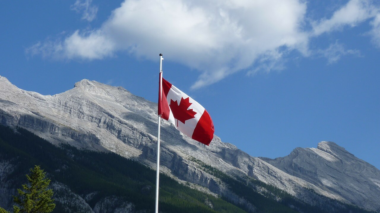 Canada Border Services Test Blockchain Technology to Streamline Processes | Live Bitcoin News